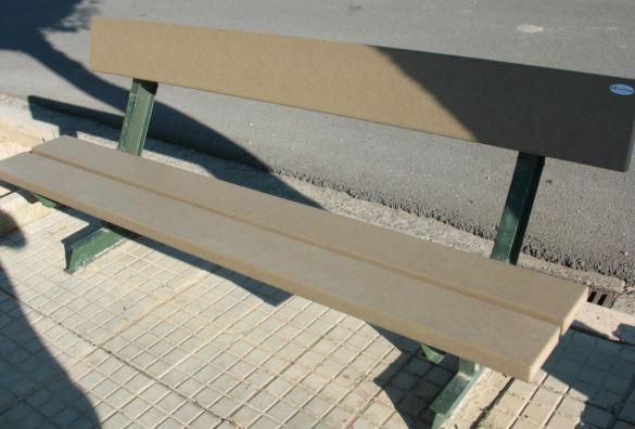 banco-urbano-reciclado-585