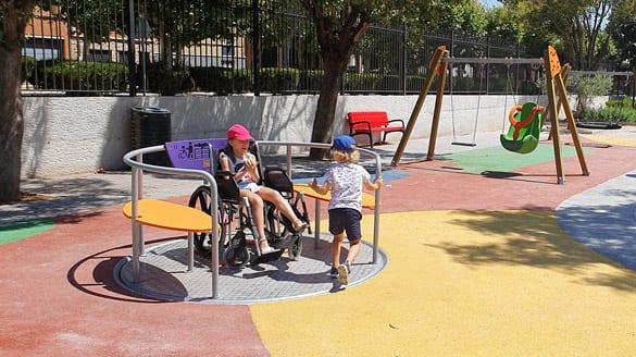 carrusel-integracion-para-nino-silla-de-ruedas