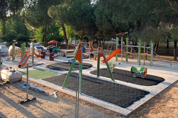 instalacion-suelo-seguridad-parque-infantil