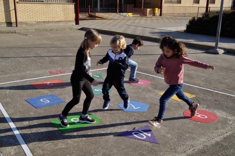 juego para el suelo saltos numericos 2