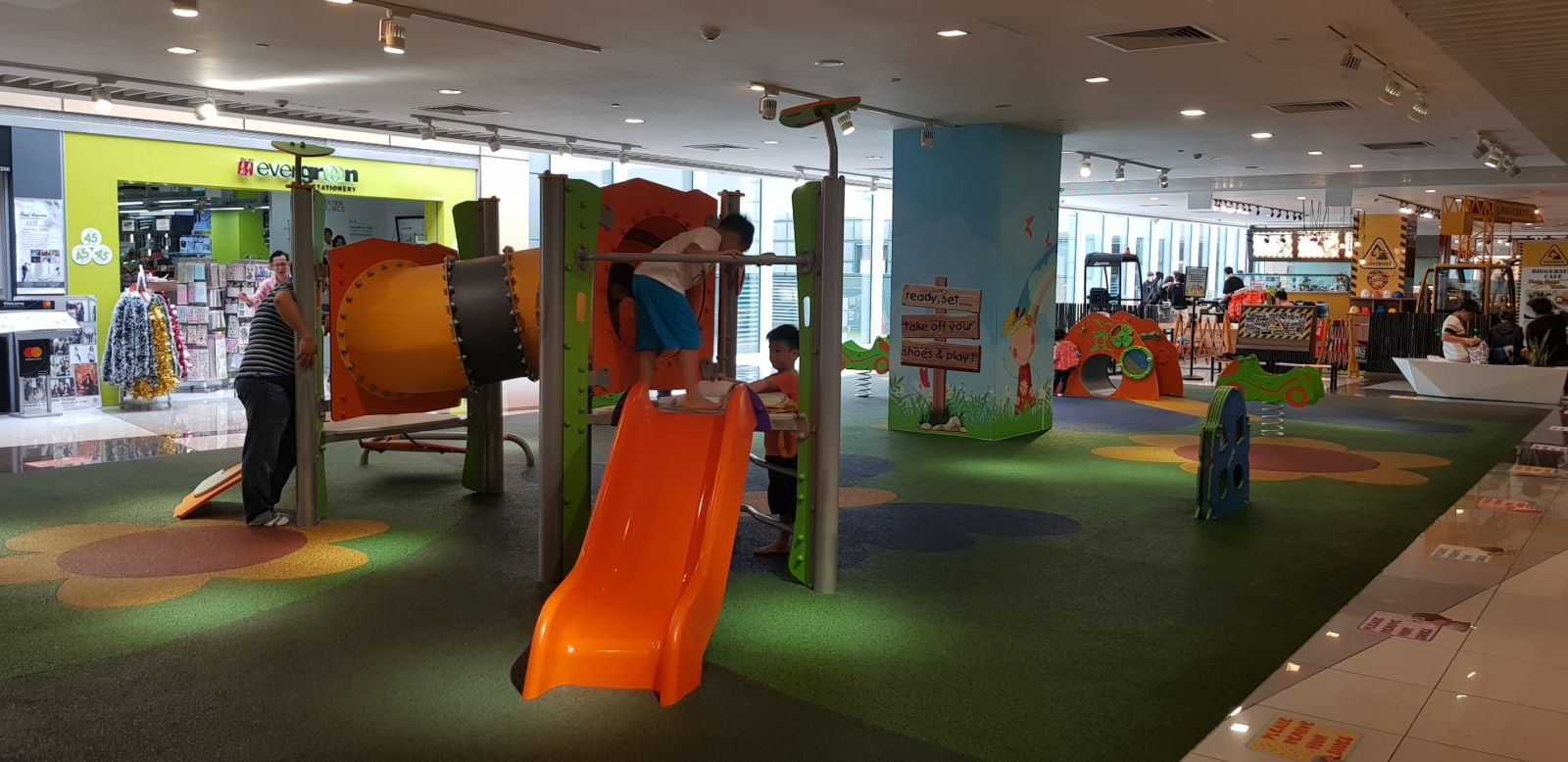children-playground-suntec-city-singapore