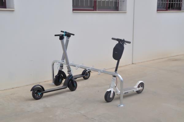 soporte-para-aparcar-scooters-600